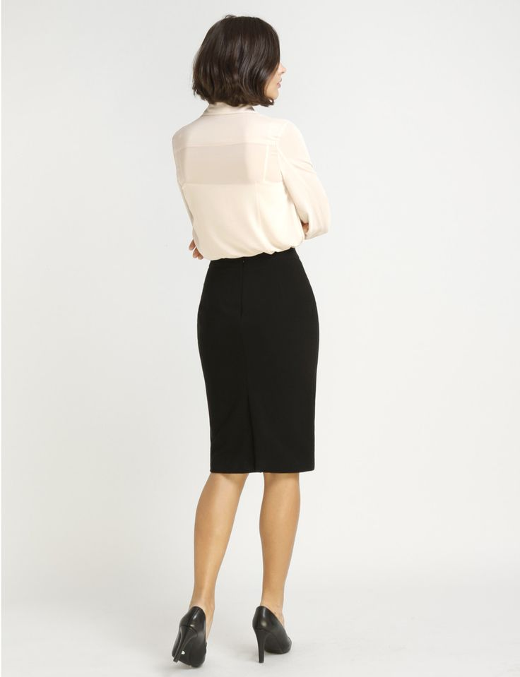 An hourglass figure with custom made clothes. Custom made clothes tailored to your body measurements. Skirts for a body shape with big hips or a flat butt.
