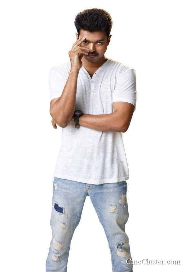 Kaththi movie latest HD stills. Vijay and samantha starring kaththi movie latest image gallery.