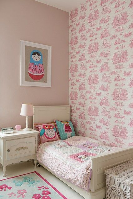This pink scheme is given a grown-up touch with a toile de jouy feature wall and art work that is sophisticated but just girly enough, for those that want it so of course.