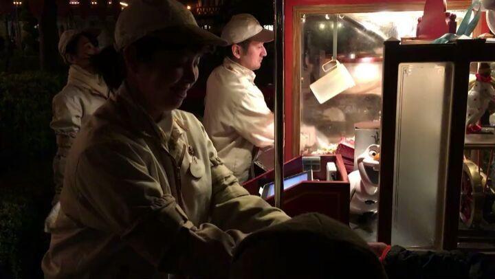 #milk #chocolate flavored #popcorn in #tokyo Disneyland #japan - #imenehunes #food #yum #flavoredpopcorn #milkchocolatepopcorn #tokyodisneyland #disneyland