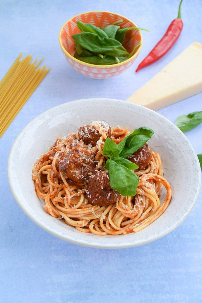 An easy weeknight meal of homemade meatballs flavoured with lots of herbs and garlic and cooked in a deliciously rich tomato sauce.
