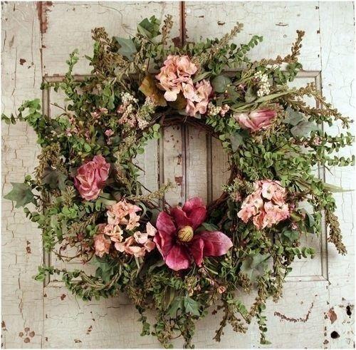 ۞ Welcoming Wreaths ۞  DIY home decor wreath ideas - Autumnal pinks