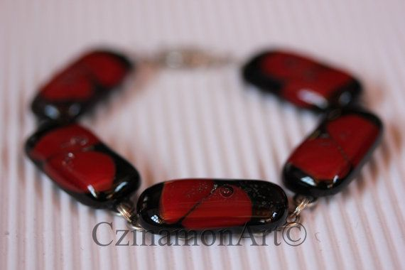 Red Black and Gold Aventurine Fused Glass Bracelet by CzinamonArt, €29.00