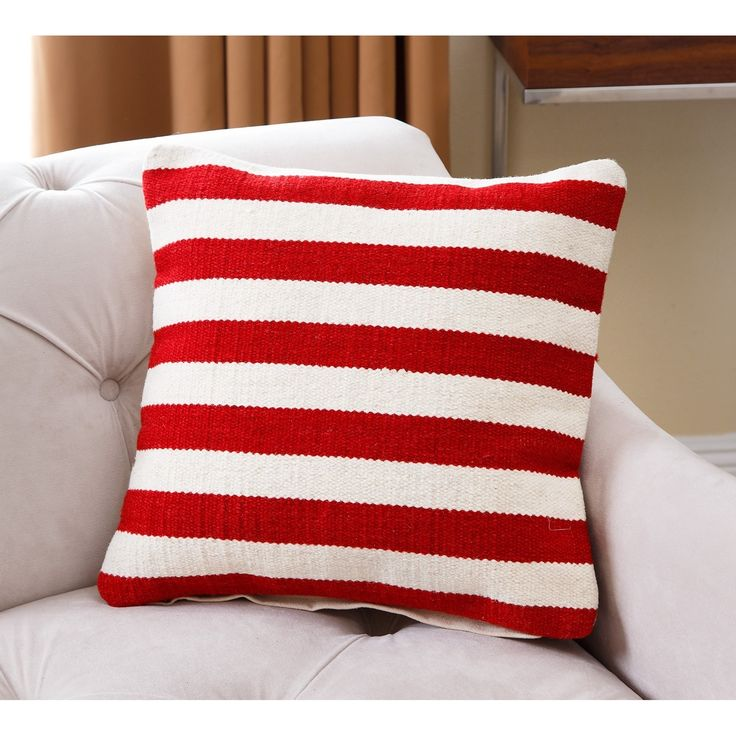 Perfect touch for the 4th of July! Add to your sofa or accent chair for a Patriotic pop of color!