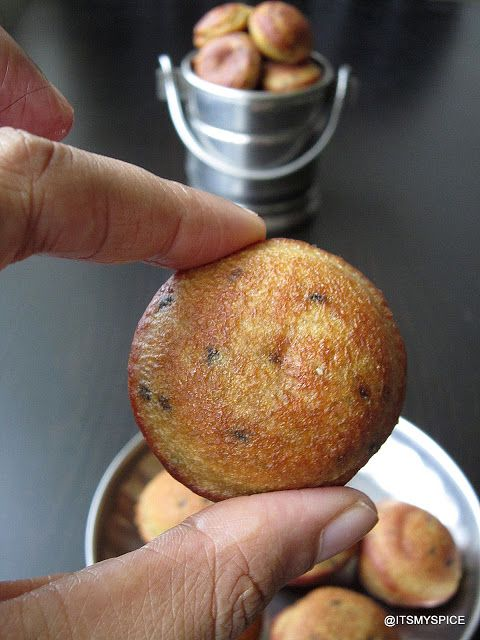 gulgule-north indian snack/sweet