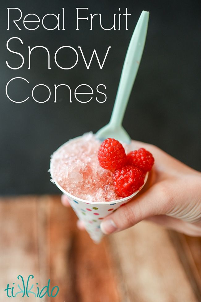 Healthy Fruit Snow Cone Syrup Recipe and Tutorial.  Fabulous fruit flavor, 100% fruit, no artificial flavors or colors, and it's SO EASY!