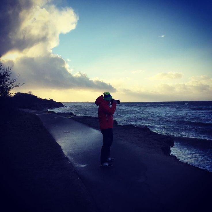 Sturmfotoshooting #himmelskunst #beijedemwetterschön #ostsee #meschendorf #rerik #sturm #wind #awesomepics
