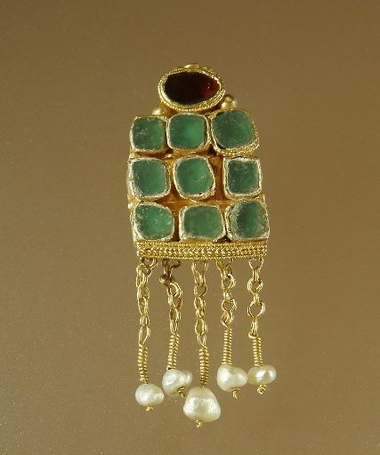 Earrings with Cabochons and Pendants, sixth century A.D., provenance unknown, gold, garnet, molten colored glass.