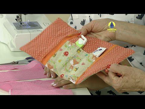 Ana Paula vai ensinar como confeccionar um prático e lindo porta fraldas de tecido. Esse prático organizador possui bolsos internos, destinados às fraldas, ao lenço umedecido e ao creme de assaduras. Um arraso!
