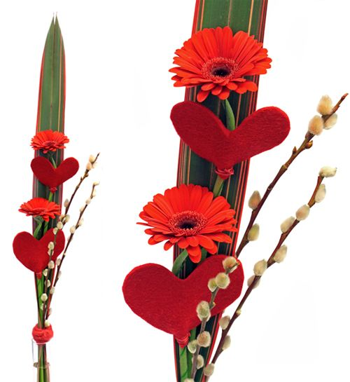 http://holmsundsblommor.blogspot.se/2014/02/vanliga-veckan-aterinford.html. Valentine´s day bouquet with red germini and hearts.