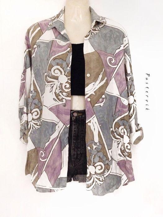 Mein Einzigartige 80er Jahre Vintage Muster Bluse Flieder von true vintage! Größe 42 / M für 29,00 €. Sieh´s dir an: http://www.kleiderkreisel.de/damenmode/blusen/139358778-einzigartige-80er-jahre-vintage-muster-bluse-flieder.