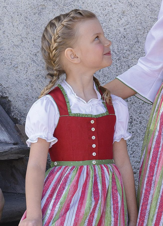 Kinder :: S`Madl - Gössl. This reminds me of my first dirndl.