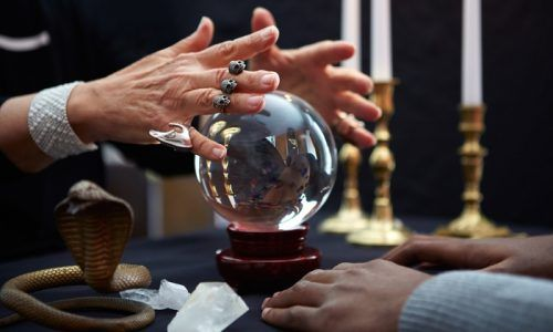 The Beginners Guide To Psychic Hotlines   Are They Real or Scams?