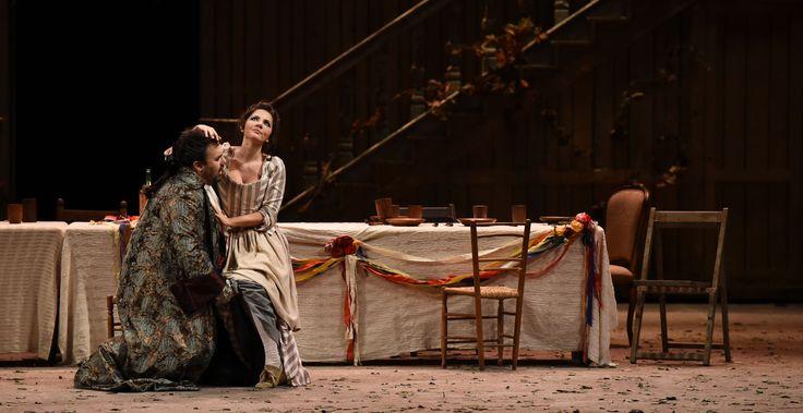 Atto III, Roberto de Candia (Il Conte di Almaviva), Laura Giordano (Susanna) – foto di Roberto Ricci