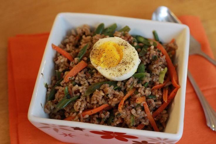 Pepper Rice with Vegetables - Madagascar Pink Rice: Serve with sliced boiled eggs and ketchup if needed......  (Daily Musings - Everyday Recipes and More