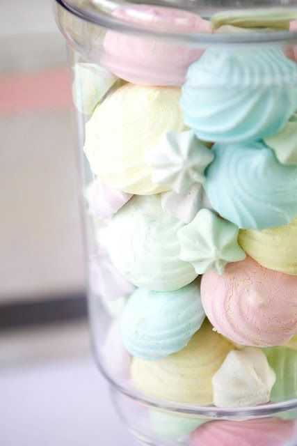 Pastel candy reminds me of vintage sweet shops and days at the fairground, the colours are bright and the shapes of the candy give me carousel feels..