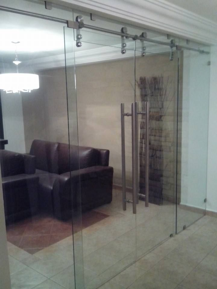35 best puertas en cristal images on pinterest bathroom for Puertas de aluminio para bano