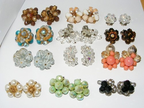 Vintage LOT of 12 Cluster Bead EARRINGS beads costume jewelry #1 sold