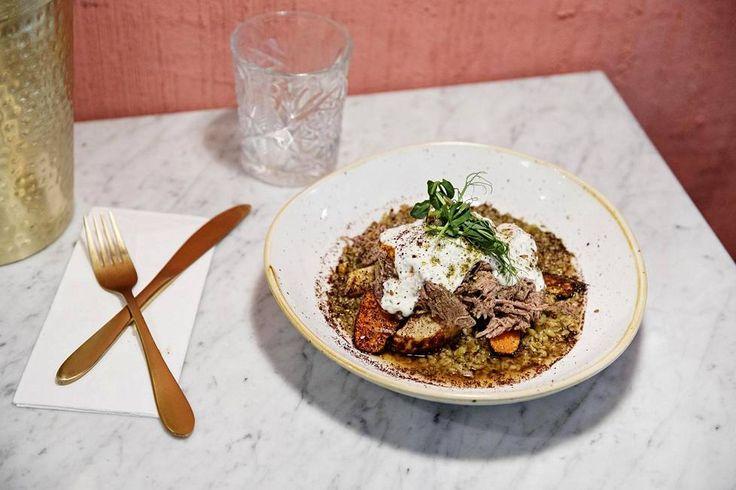 Na'am-ravintolan lammas-taginen maut olivat hyvässä tasapainossa.