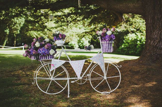 Victoria and Richard had a Scottish wedding with a summer fête theme