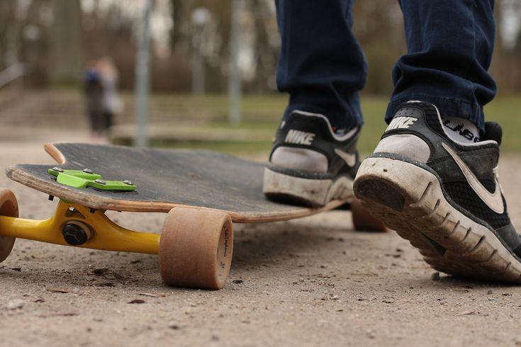 Longboard, Planche À Roulettes, Dans Le Libre, Patinage