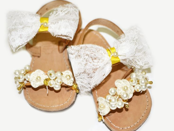 baby sandals Lne's artwork