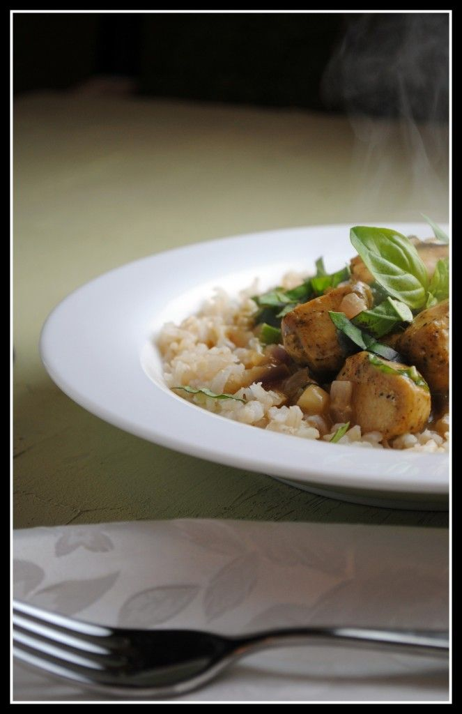 Basil Chicken in Coconut Curry Sauce | Delicious Treats | Pinterest