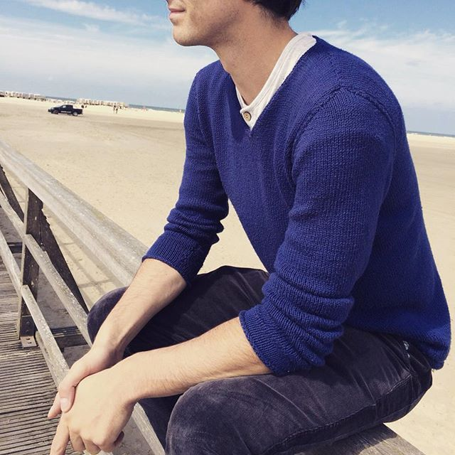 Next time your travelling to the north coast in Germany be sure to take one of our navy knitted jumpers for those windy days 👍 All jumpers are hand knitted by the mothers and grandmothers of Australia and uses Australian grown and woven cotton ✌️ #espire #espireclothing #australianmade #handknitted #ethical #sustainablefashion #madeinaustralia #stpeterording #bossonvacation