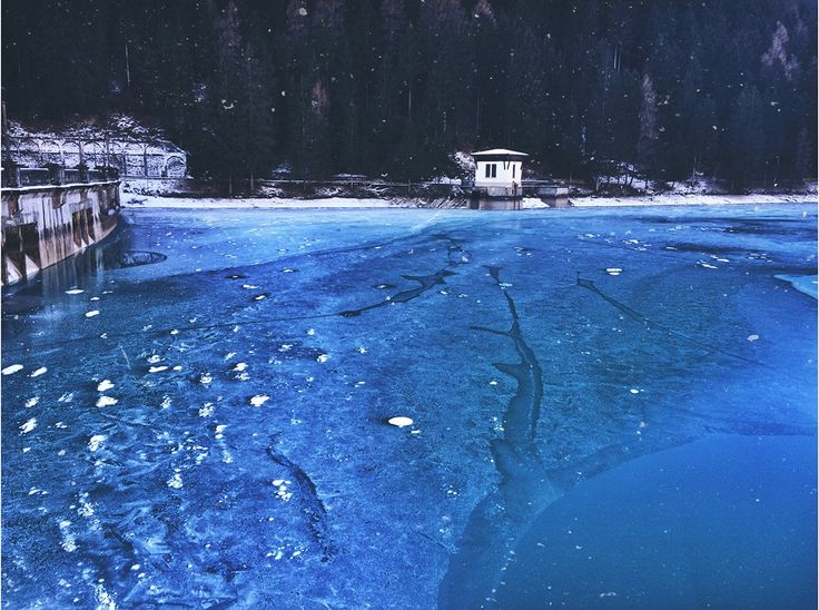 #auronzo #lake #lagoauronzo #italia #italy #lago #ice #freddo #cold #blue #snow #winter