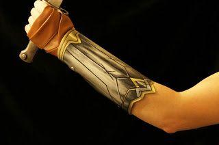 Wonder Woman Bracelets: DIY Cosplay