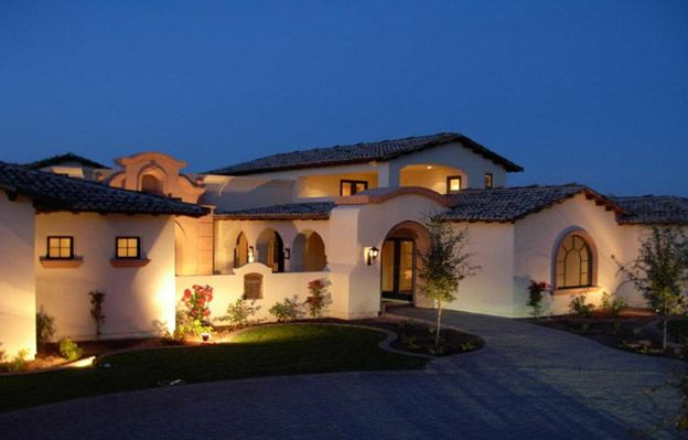North scottsdale stucco home in a creamy vanilla and a - How much to stucco exterior of house ...