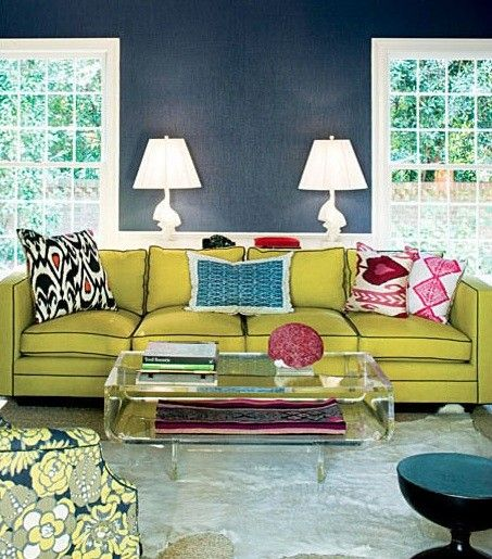 diggin' the coffee table: Colors Combos, Coffee Tables, Living Rooms, Green Couch, Barry Benson, Blue Wall, Navy Wall, Coff Tables, Colors Schemes