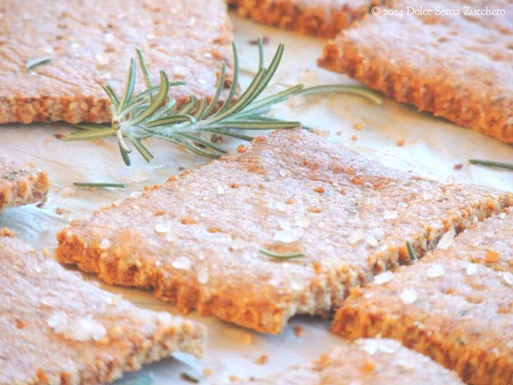 Crackers Senza Farina con Rosmarino (e senza Lievito) è una ricetta naturale e biologica Senza Glutine, con Indice Glicemico Basso e Senza Latticini