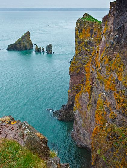 At the end of Cape Split Trail, Bay of Fundy (Nova Scotia)... a 2 hour hike