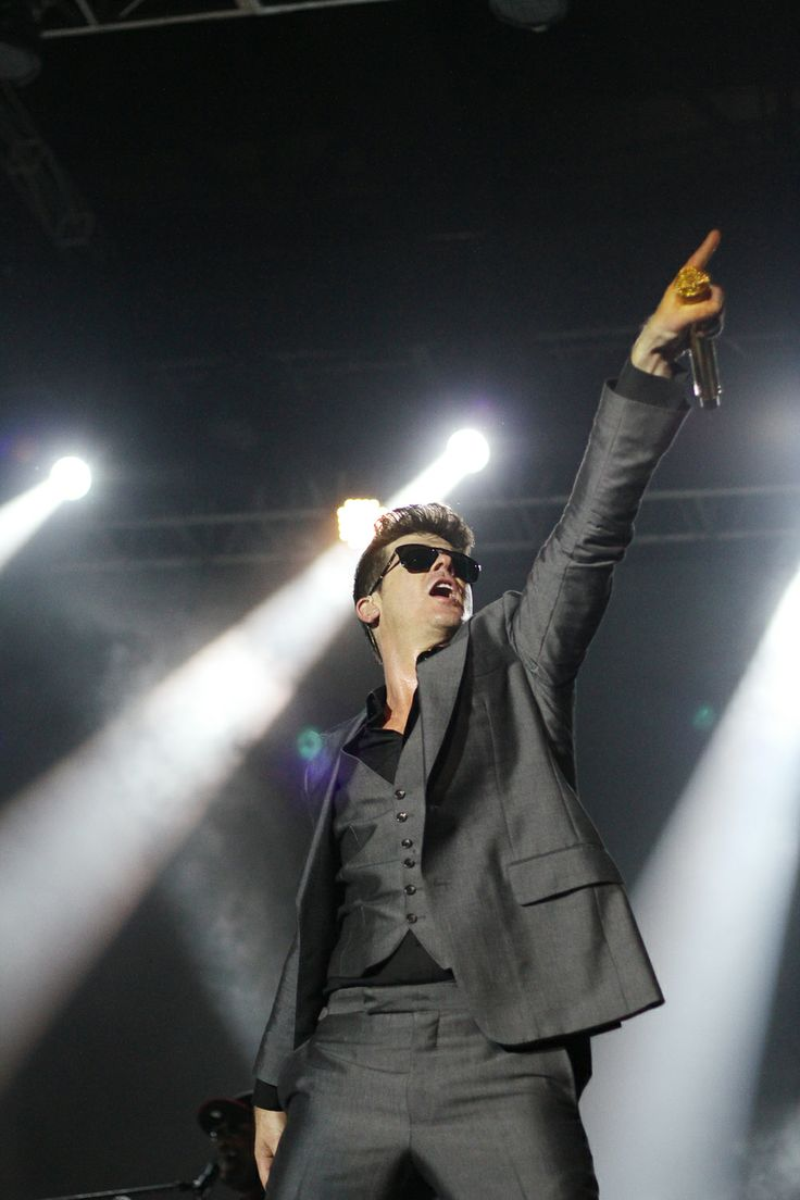 Robin Thicke live at Java Soulnation, Jakarta, Indonesia. #pixelpaper #stagephotography