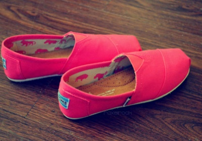 Hot Pink Toms. want!