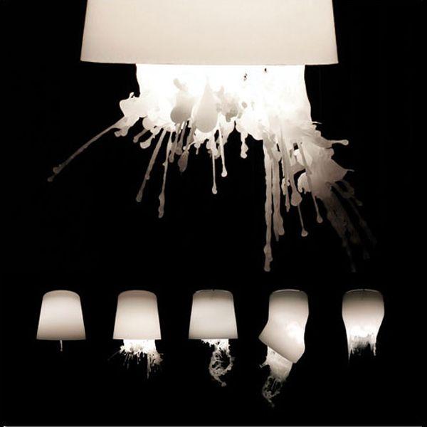 Aylin KAYSER & Christain METZNER, Wachslampe, 2009. Lampe avec abat jour en cire.  dégradation, affadissement, déclin, modifier de maniere négative.