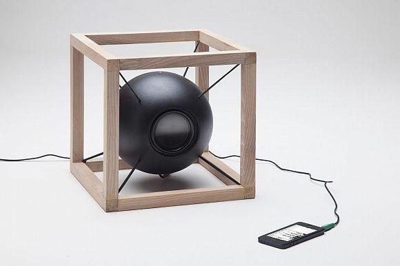 Designed by Juan Soriano Blanco and Giorgio Bonaguro, the Vitruvio speakers exhibit simple geometry evocative of Leonardo Da Vinci's drawings of The Vitruvian Man.