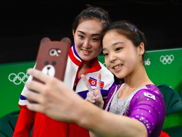 THAT SELFIE: A beautiful display of international unity at the Rio 2016 Olympic Games