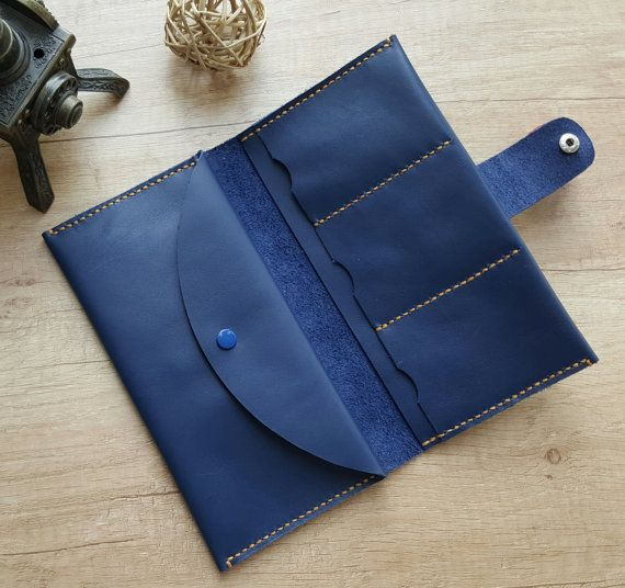 Handmade bifold leather wallet with round cut flap closure
