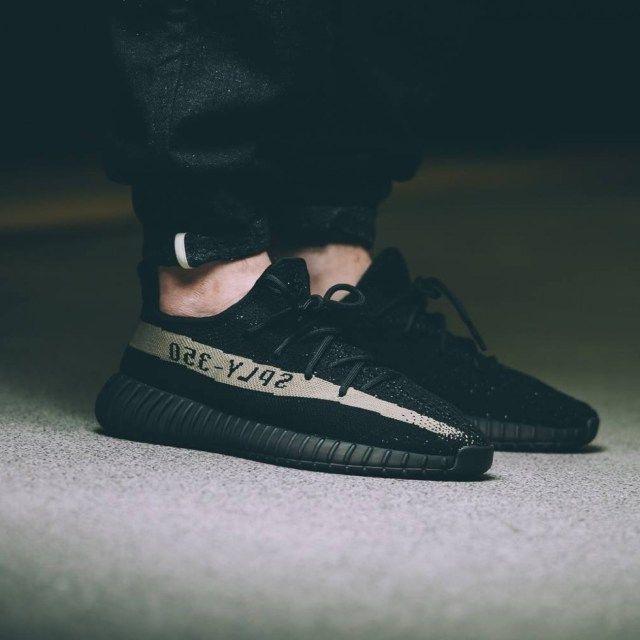 adidas yeezy boost 350 v2 black green