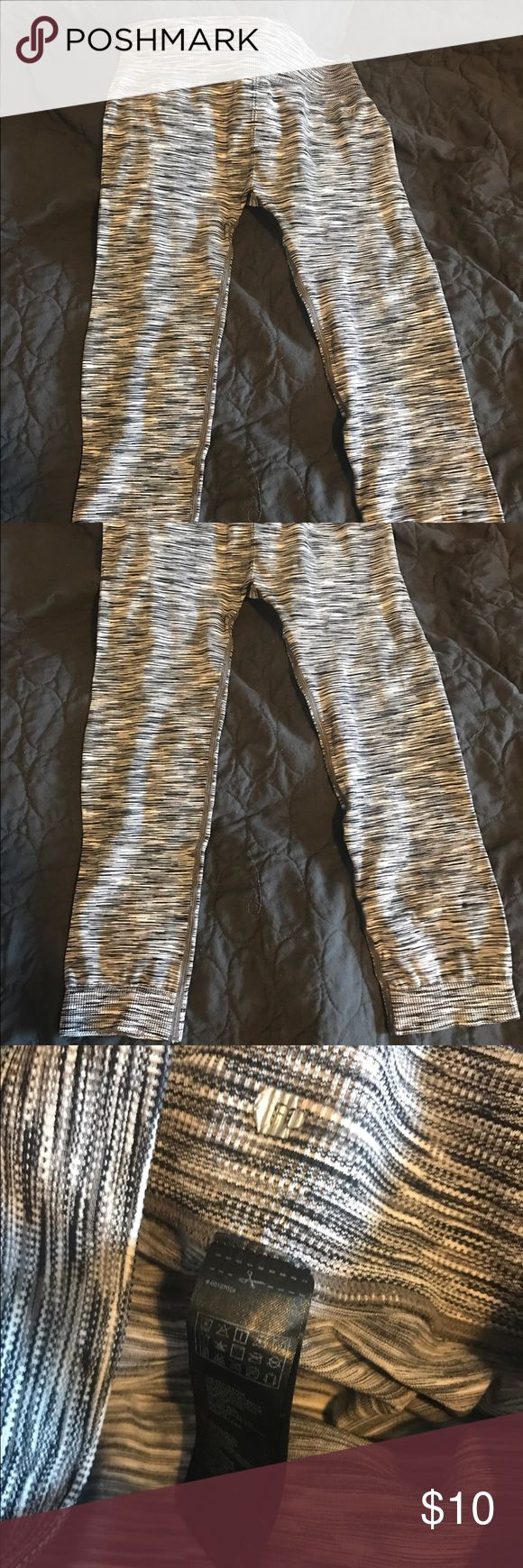 Forever 21 workout capris Grey, white and black workout Capri worn twice. Forever 21 Pants Capris