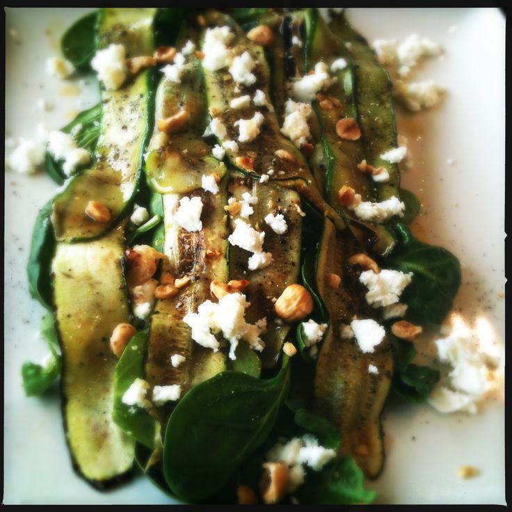recept jonge spinazie met gegrilde courgette feta en hazelnoten salade keuken gezond food blog