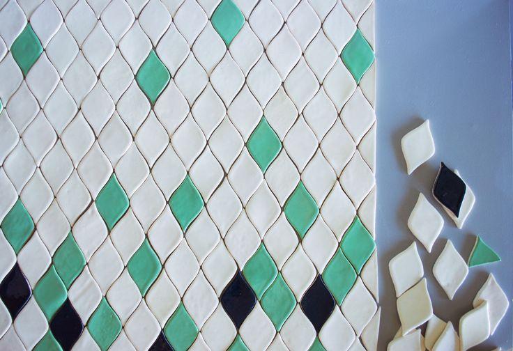 Керамическая плитка ручной работы листья.  Handemade tile leaves. Mira ceramic.