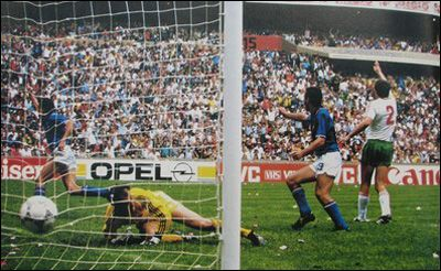 Group stage,Altobelli scores for Italy in opening match in tournament,Italia vs Bulgaria 1-1