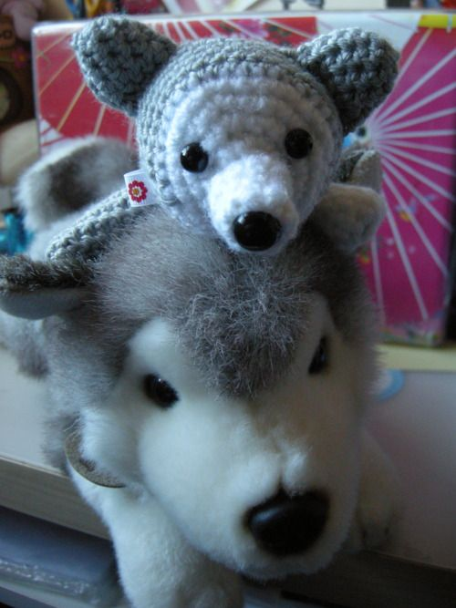 Amigurumi Legs Tutorial : 1000+ images about Huskies I dont own on Pinterest Toys ...