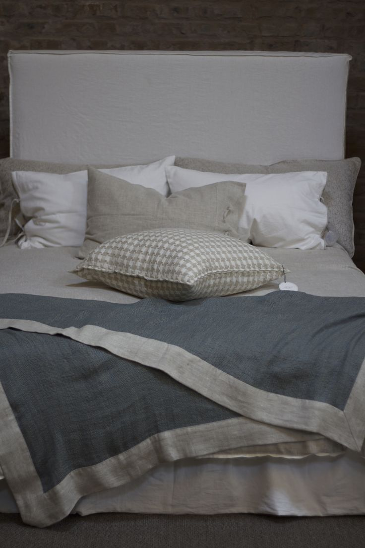 Flax duvet cover with Peasant throw and Houndstooth scatter