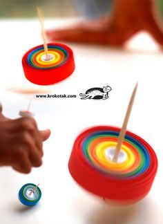 DIY Paper Spinners  [thanks @Pascale Lemay Lemay Lemay De Groof  ]