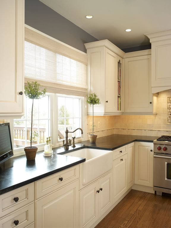 """Traditional Kitchen with Rohl White Shaws 30"""" Single Basin Farmhouse Fireclay Kitchen Sink, Limestone Tile, L-shaped"""