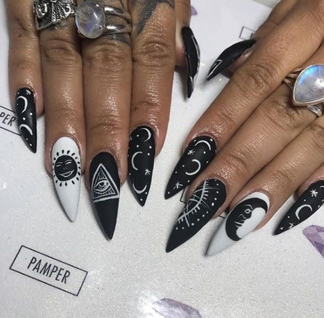 12 Tarot Card Nail Art Ideas To Round Out Your Halloween Look Gothic Nails Witchy Nails Witch Nails